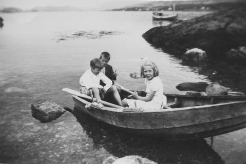 I Skjæret, Hesstun. Jon Klausen, Knut Hagen og Aud Klausen