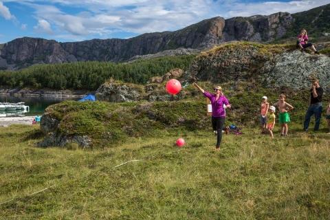 Vinner i dameklassen dette året , Elin Olsen, kastet 22,5 m (ikke på  bildet) Foto: Monika V. Lorentzen