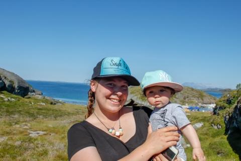 Noen kom langveisfra for å være på Esøya for første gang