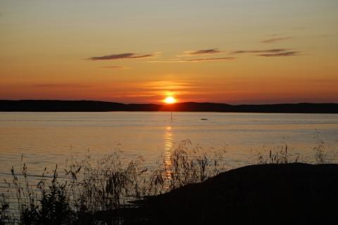11. Solnedgang på Hamnøya. Foto: Kjell Klausen